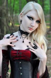 Maria-Amanda-Medieval-Gothic-%5BZip%5D-s5mfv3b6a1.jpg
