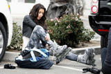 Kim Kardashian (Ким Кардашьян) - Страница 4 Th_46007_celebrity-paradise.com-The_Elder-Kardashian_sisters_2009-11-10_-__hit_the_boardwalk_in_Santa_Barbara_9247_122_162lo