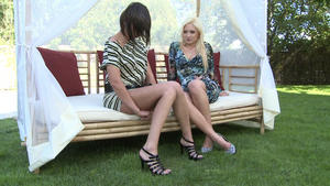 Hunt Erotic: Faceslapping - By Domina Lea Lexis And Her Slave Blanka Hot