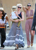 Гвэн Стефани, фото 2188. Gwen Stefani - Out and about in Saint Tropez, France May 21, foto 2188