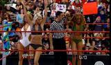 Alicia Fox Caps from the Summer Swimsuit Spectacular episode of Raw when Seth Green guest hosted: Foto 126 (Алисия Фокс Шапки из летних Купальник поразительный пример, когда сырье Сет Грин гость размещения: Фото 126)
