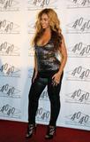th_40328_celebrity_paradise.com_TheElder_Beyonce2010_03_02_Jay_ZMadisonSquareGarden_122_384lo.jpg